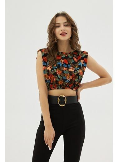 Pattaya Pattaya Kadın Sırt Dekolteli Vatkalı Kolsuz Bluz P21S201-2158 Siyah